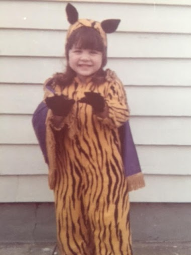 kim lampa showed her lsu spirit by dressing as the lsu tiger for halloween - Tiger For Halloween