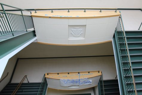 The south atrium on the Thursday of homecoming week, barely any remains of the decorative green and white streamers left.