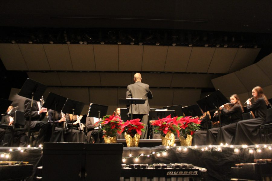 Music+department+chair+William+Riddle+conducts+the+Cadet+Band.+