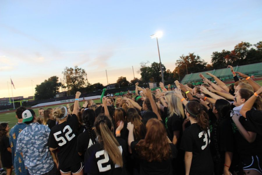 Before+the+game+senior+girls+huddle+and+chant+to+get+their+team+hyped+up.+Photo+by+Ellie+Ryan+