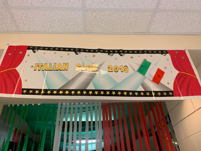 Italian Club hallway decorations resembled all parts of the Italian flag.