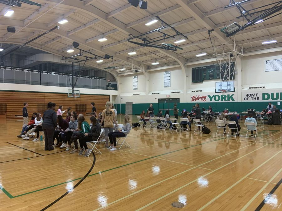 As the day progressed the gym south gym got more and more crowded with students who wished to donate.