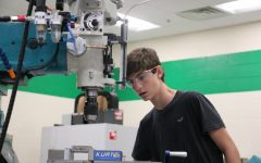 New Manufacturing class gives students a leg up in engineering