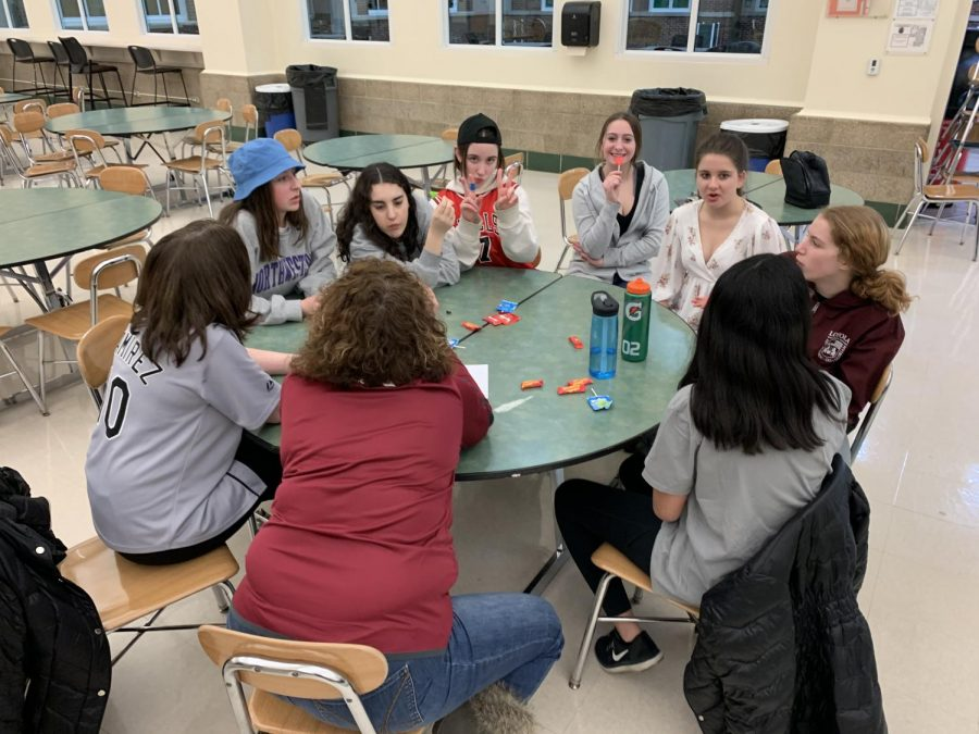 Dukes Put their Knowledge to the Test at Trivia Night