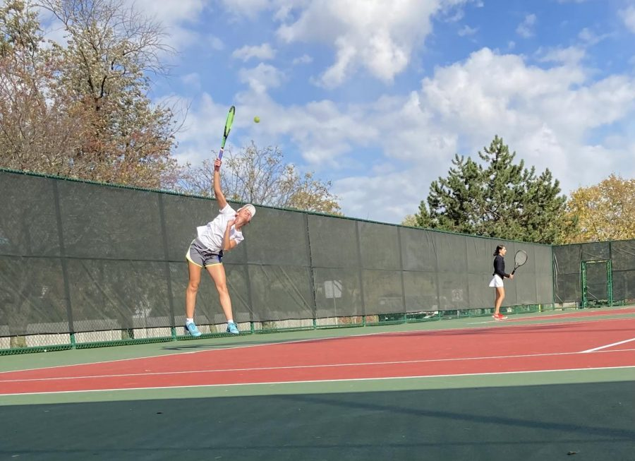 Top singles varsity player Gianna Nickoleit, places third at sectionals on Friday. I knew that it was my last few matches of high school tennis, so I wanted to play the best I could. I even beat Hinsdale central! Nikoleit said.