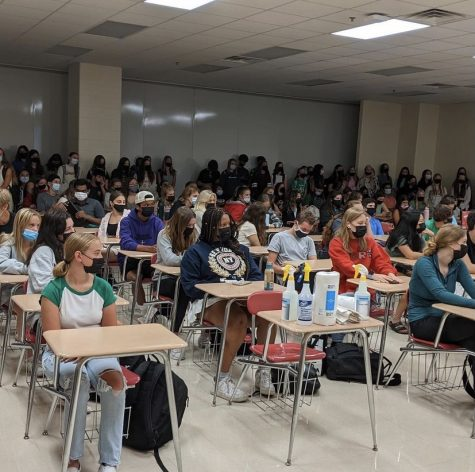 York students gather in room A290 for first Key Club meeting of the year to go over volunteer opportunities